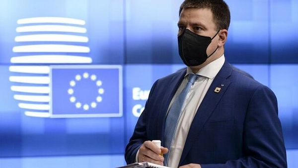 نخست وزیر استونی استعفا کرد