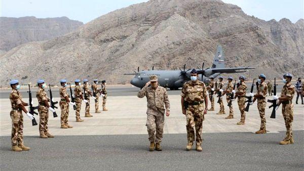 بازدید فرمانده آمریکایی از ۲ پایگاه در عمان