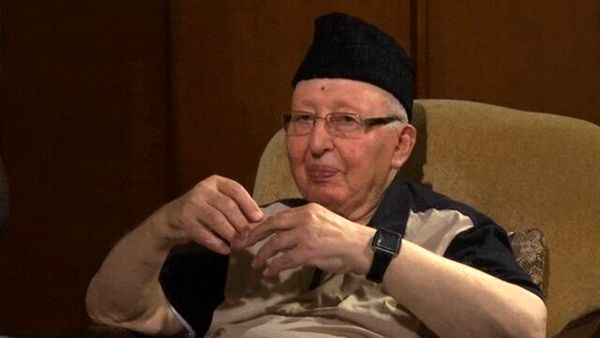 نخستوزیر اسبق الجزایر درگذشت
