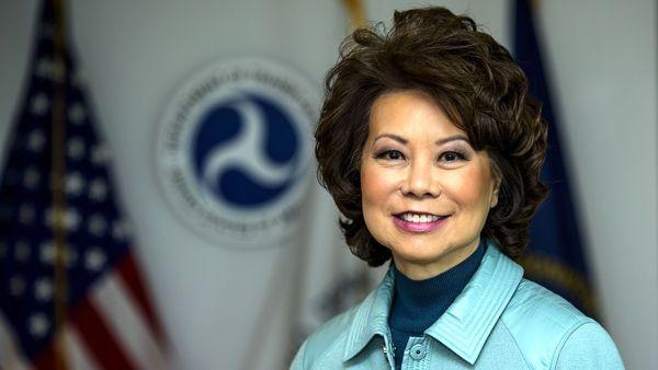 وزیر حمل و نقل آمریکا استعفای خود را اعلام کرد