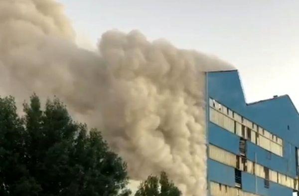 آتش سوزی در کارخانه نیشکر هفت تپه مهار شد