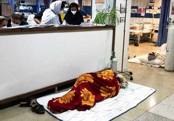 فاجعه کرونایی در قزوین؛ بیماران کرونایی در کف بیمارستان بستری شدند