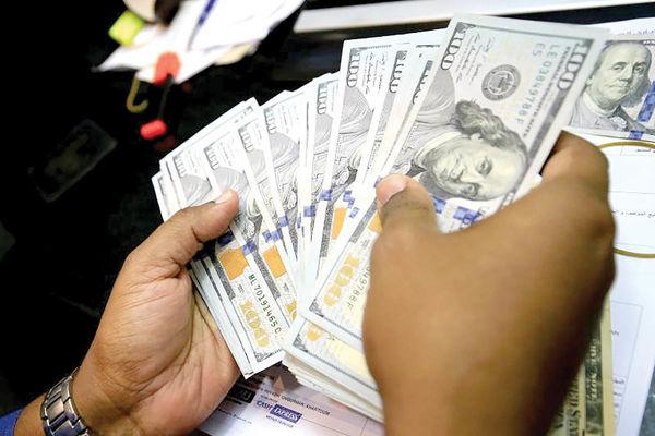 نوسانگیری مناظراتی در بازار دلار