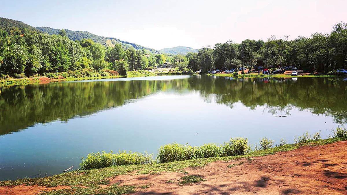 اقامت در «حلیمهجان» برای دریاچه رنگی