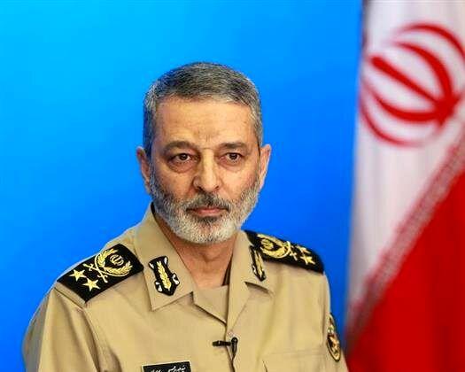پیام تبریک فرمانده کل ارتش به مناسبت هفته نیروی انتظامی