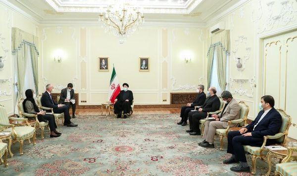 رئیسجمهور: تحریم نمیتواند مانع توسعه روابط و همکاریهای ایران با دیگر کشورها شود