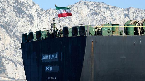 نفتکش حامل سوخت ایران وارد آبهای ونزوئلا شد