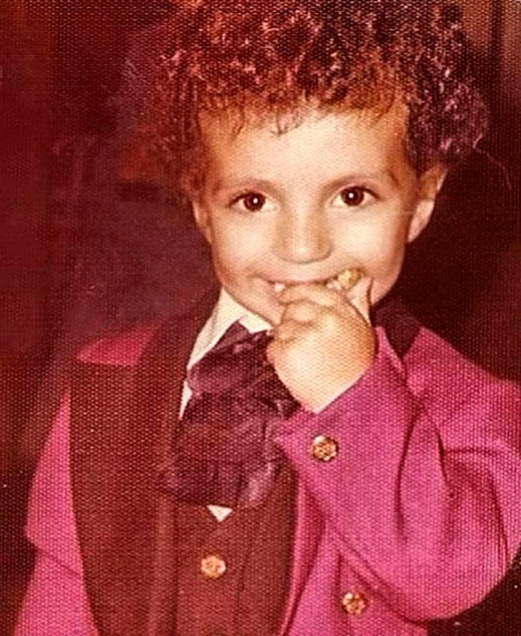 عکس   تصویر زیرخاکی و جالب از دوران کودکی عادل فردوسیپور
