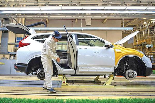 بسیج خودروسازان چینی در تولید ماسک