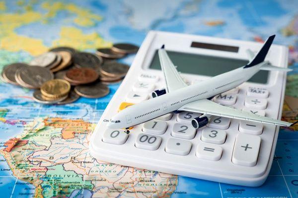 10 روش برای پس انداز پول در طول سفر