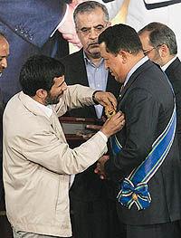 چاوز فردی عدالت خواه و مبارز علیه نظام سلطه است