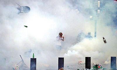 درگیری شدید هواداران انگلیس با پلیس مارسی