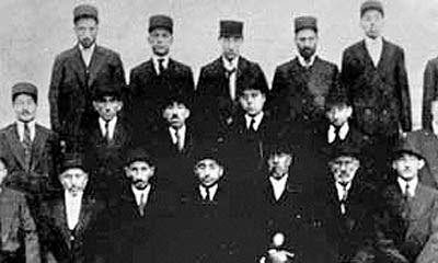 بازخوانی قانون متحدالشکل شدن لباس ایرانیان
