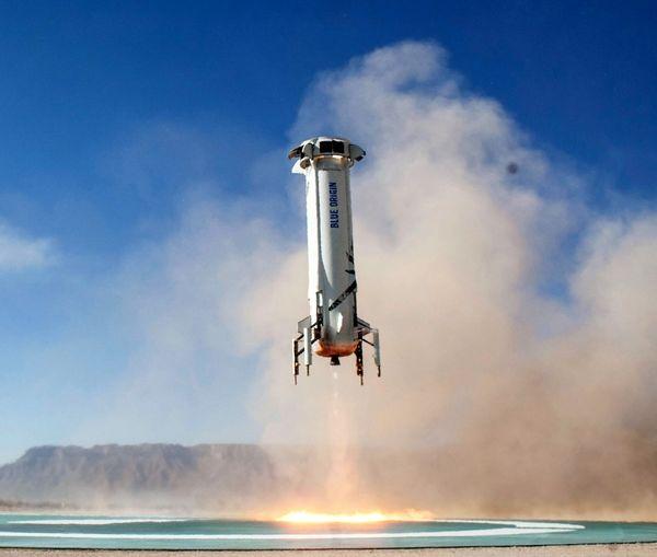 مالک آمازون سفینه فضایی به فضا می فرستد