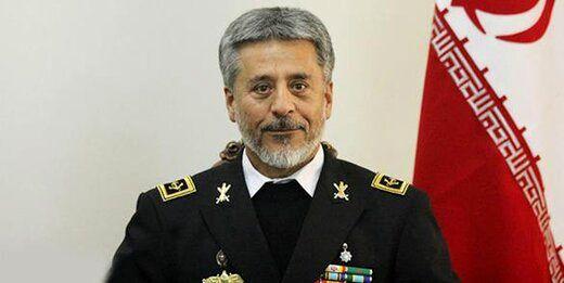 تبریک دریادار سیاری به فرمانده نیروی پدافند هوایی ارتش