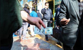 روی خشن دلار به معاملهگران بازار