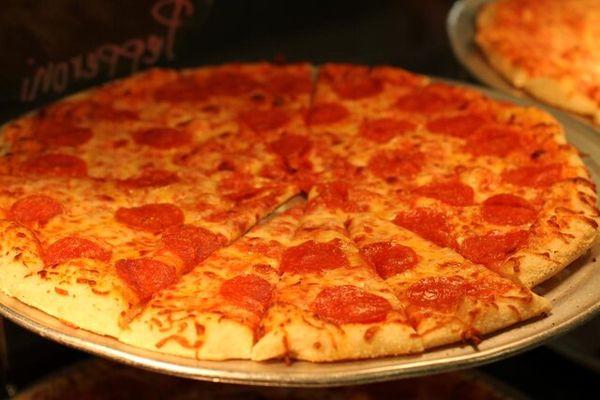 پیتزاهای ۱۰۰ میلیونی در پایتخت!