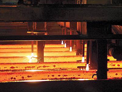 ضعف تقاضای فیزیکی عامل سقوط قیمت سنگآهن و فولاد جهانی