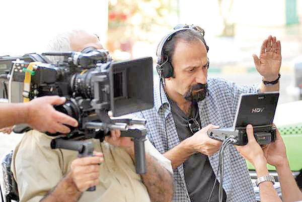 مانور فیلمساز ایرانی در جشنوارهها