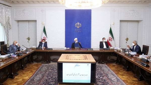 روحانی: توانستیم ضربه اساسی آمریکا به درآمد صادرات نفت را نسبتاً خنثی کنیم