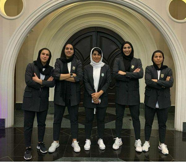 لباس تیم ملی فوتبال بانوان، مردانه است؟
