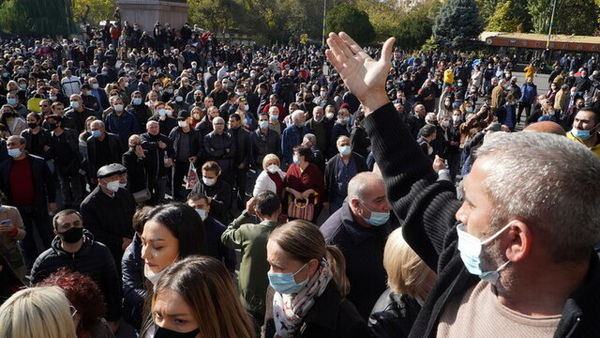 معترضان در ارمنستان خواستار کنارهگیری پاشینیان شدند