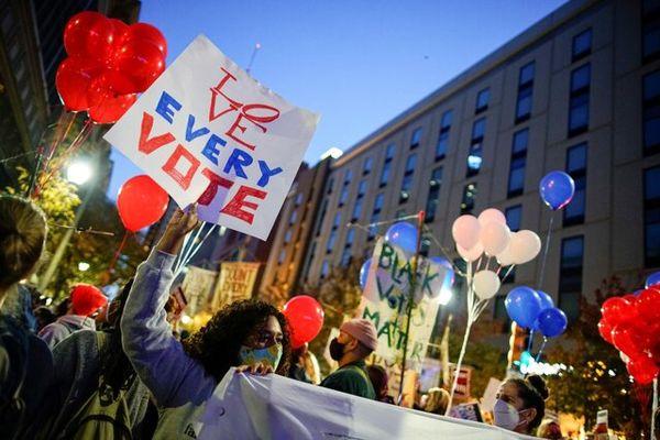 راهپیمایی هواداران ترامپ و بایدن در ایالتهای کلیدی