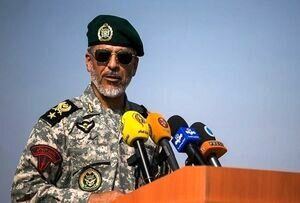 دریادار سیاری: ارتش با توان بیشتر در خدمت مردم خواهد بود