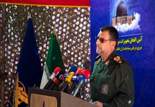 دریادار تنگسیری: دشمنان به ایران تعرض کنند، ضربه مهلکی به آنها خواهیم زد
