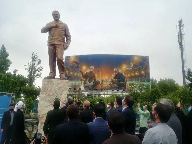 رونمایی از تندیس سردار سلیمانی در پایتخت+عکس