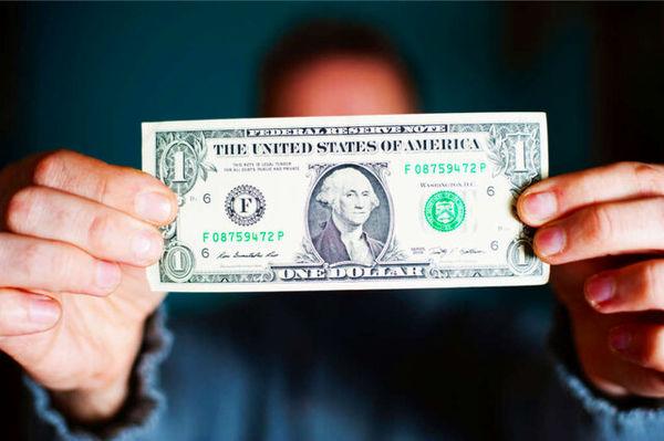 سقوط آزاد دلار دربرابر ارزهای دیگر