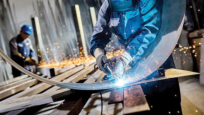 صدرنشینان صنعتی در جذب سرمایه