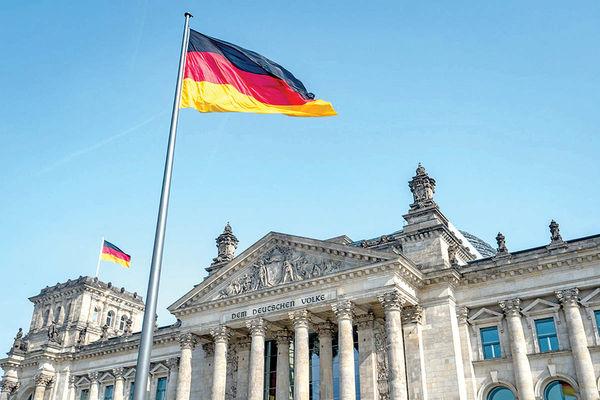 تورم آلمان کمتر شد