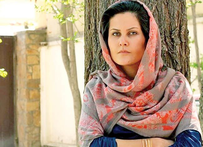 تجلیل «آنجلینا جولی»  از کارگردان زن افغانستانی