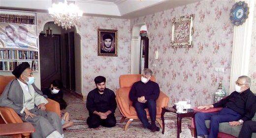 حضور وزیر اطلاعات در منزل شهید مدافع حرم