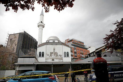حمله با سلاح سرد به نمازگزاران در آلبانی