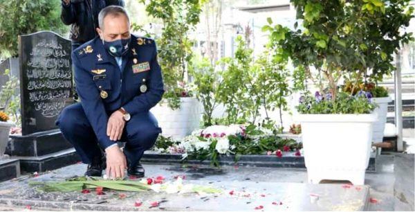 تجدید میثاق فرمانده نیروی هوایی ارتش با آرمانهای شهدا