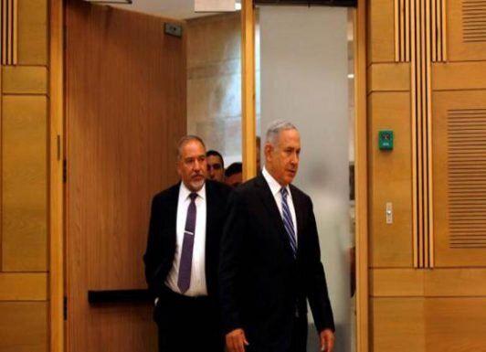 لیبرمن: نتانیاهو اسرائیل را نابود میکند