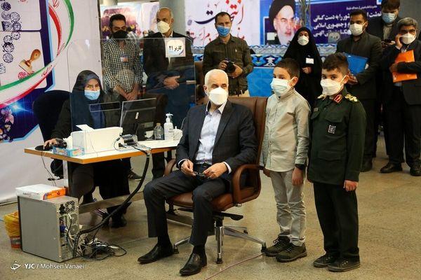 سومین روز ثبت نام داوطلبان انتخابات ۱۴۰۰/ ورود اصلاحطلبان +عکسها