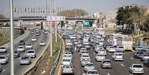 ترافیک در ورودی و خروجیهای مشهد سنگین است