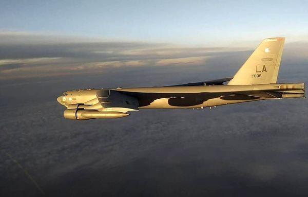 بمب افکن آمریکایی نزدیک حریم هوایی روسیه شد