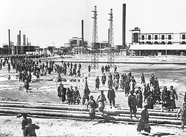 پالایشگاه نفت آبادان در گذر تاریخ