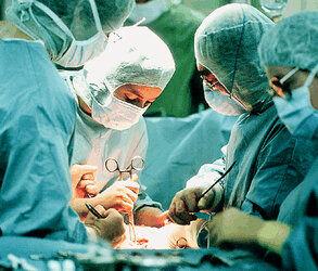 خروج توده ۸ کیلویی از شکم یک بیمار