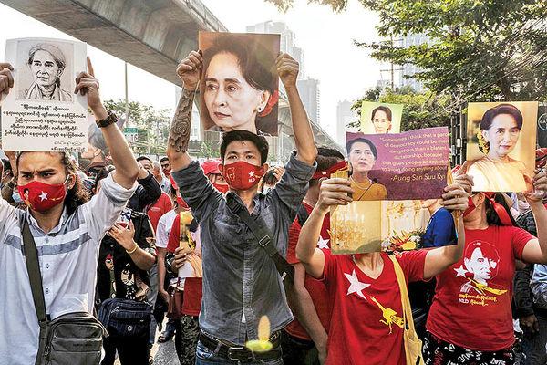 اعضای پارلمان میانمار در بازداشتگاه