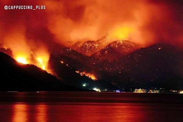 تصویر آخرالزمانی از آتش سوزی در آنتالیا+عکس