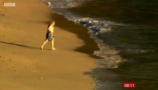 تصویر جنجالی بوریس جانسون با همسرش کنار ساحل/عکس