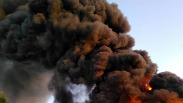 آتش سوزی گسترده در یک شرکت تولیدی در تهران
