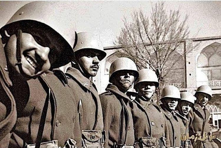 از سلفی سربازان دهه 40