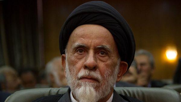 علت سکوت اصولگرایان برابر احمدی نژاد چیست؟