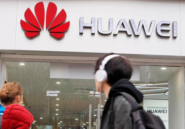 افت فروش تلفن همراه هوآوی در سایه تحریمهای آمریکا